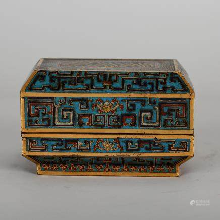 CHINESE CLOISONNE ARCHAIC PATTERN COVER BOX