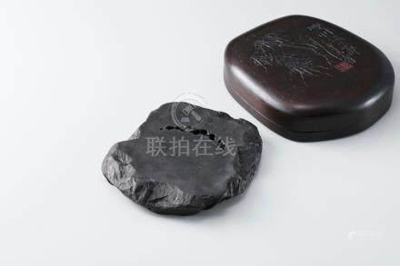 端溪虫蛀砚(盒盖潘天寿款)