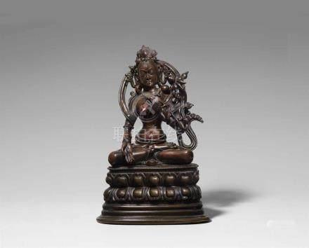 Sitatara. Bronze. China, Beijing. Pala-Stil, 17. Jh. Die weisse Tara sitzt auf einem hohen doppelten