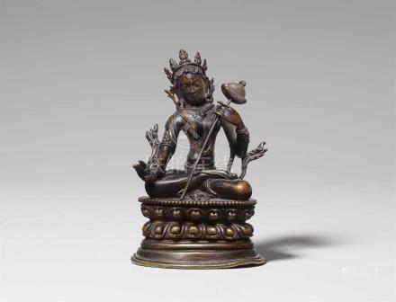 Sitatapatra. Bronze. Tibet. Pala-Revival-Stil, 18./19. Jh. Gekleidet und geschmückt wie eine Königin