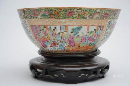 Large coupe in Chinese Canton porcelain (39x17cm)