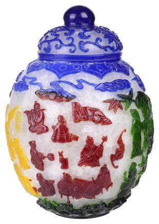 ‡ A CHINESE OVERLAID GLASS JAR AND COVER, QING DYNASTY, 19TH / 20TH CENTURY
