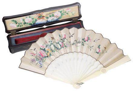 ~A CHINESE IVORY AND PAINTED FAN, PROBABLY CANTON, LATE 19TH CENTURY
