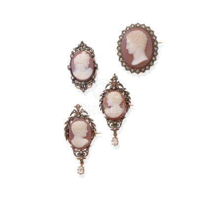 A pair of hardstone cameo brooches and two further hardstone cameo brooches, by Luigi Rosi, (4)