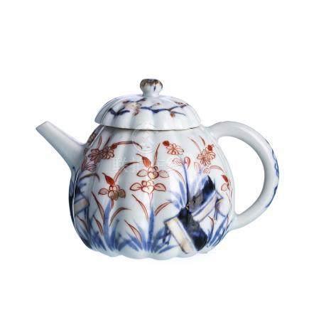 Chinese Porcelain Teapot 'flowers', Kangxi