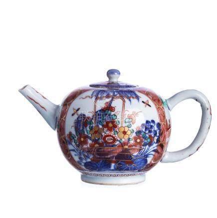 Chineses porcelain 'imari', teapot Kangxi