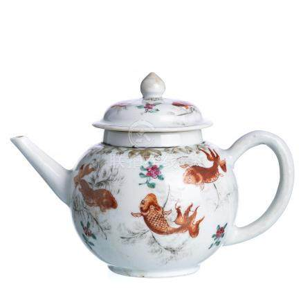 'Carps' teapot in Chinese porcelain, Qianlong