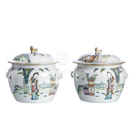 Two boxes in Chinese porcelain, Minguo