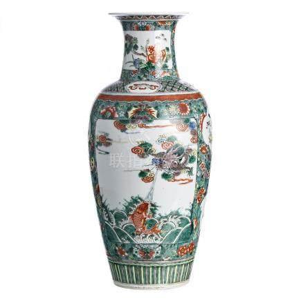 Famille Verte vase in chinese porcelain