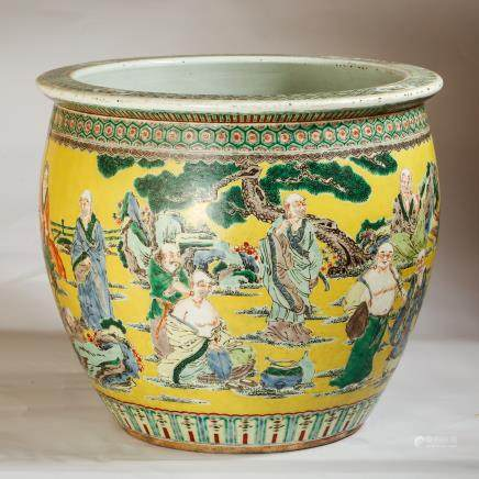 CHINESE YELLOW GROUND FAMILLE ROSE PORCELAIN JAR