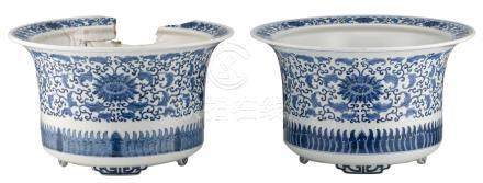 Two Chinese blue and white floral decorated jardinieres, H 24 - ø 40 cm