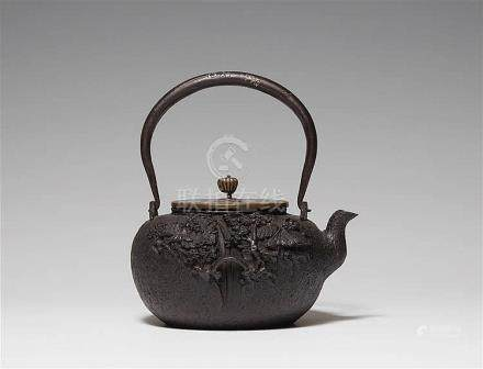 An iron water kettle (tetsubin). Early 20th century