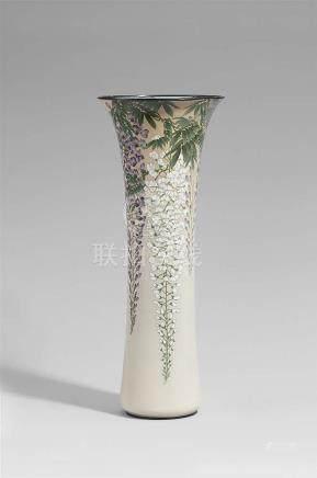 A tall and slender Andô cloisonné enamel vase. Around 1900