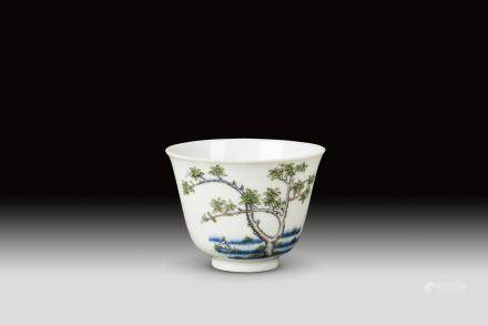 A BLUE AND WHITE AND WUCAI 'MONTH' CUP, QING DYNASTY, KANGXI PERIOD