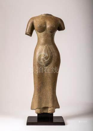 CAMBODGE, Dans le style des productions pré Khmer