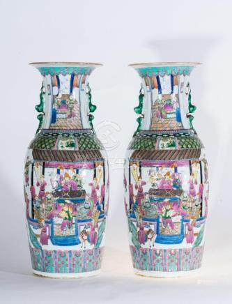 Chinese Art A pair of large famille rose porcelain vases dec