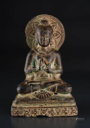 South-Est Asian Art A bronze seated buddha 20th century