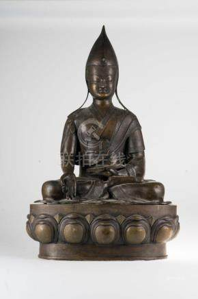 Chinese Art A large bronze sculpture portaying Dalai Lama (?