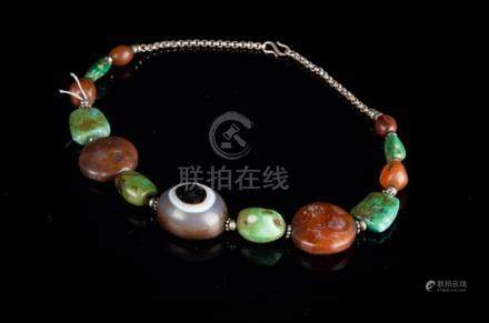 Chinese Art A silver and semi-precious stones necklace Tibet