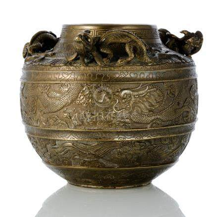 A BRONZE DRAGON VASE, China, Xuande mark, 18th/19th ct. - Property from a South German private colle