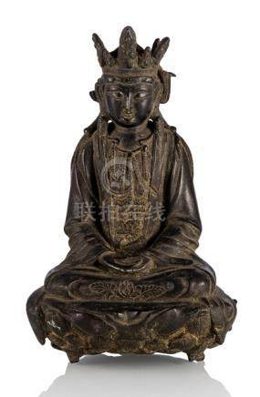 A BRONZE FIGURE OF SEATED GUANYIN, China, late Ming dynasty - Provenance: Fasshauer collection (1901