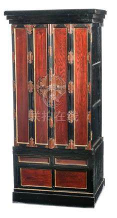 A TWO-PART GILT AND BLACK LACQUER ALTAR SHRINE (BUTSUDAN), Japan, Meiji period. The doors open to a