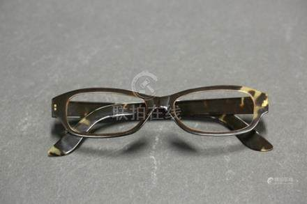 玳瑁眼鏡框 94g