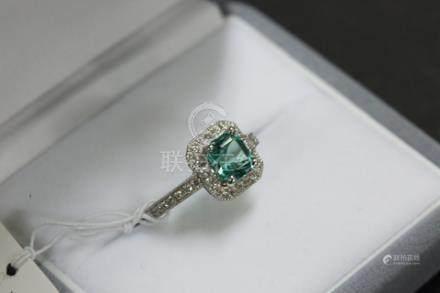 祖母綠方型戒指