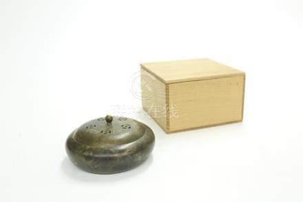 銅鎏金蝠紋香爐