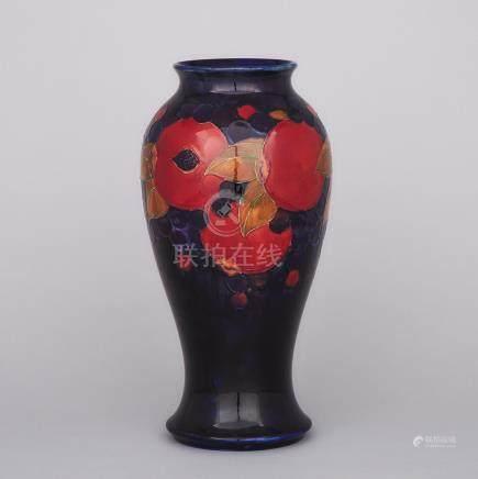 Moorcroft Pomegranate Large Vase, c.1925-30, height 14\ — 35.5 cm.