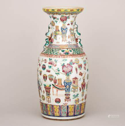 An Enamelled 'Hundred Antiques' Vase, Early 20th Century
