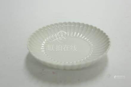 白瓷盤 花瓣
