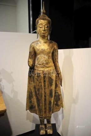 STANDING BUDDHA bronze gilt, Thailand, 18th century, Ayutthya periode H: 200 cm / W: 23 cm Buddha