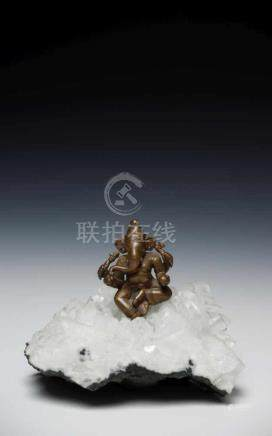 GANESHA ON CHRYSTAL copper alloy bronze, Nepal, 15th century, H: 6 cm / W: 4 cm / D: 4 cm
