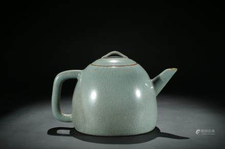 A Ru-type celadon glazed teapot and cover