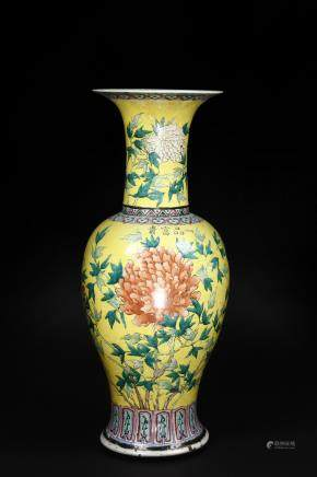 A large famille rose 'chrysanthemum' vase