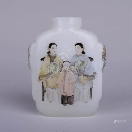CHINESE PEKING GLASS PAINTED BEAUTY SNUFF BOTTLE