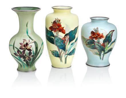 Three cloisonné enamel vases  By the Ando Jubei Company, Taisho/Showa, 20th century (3)