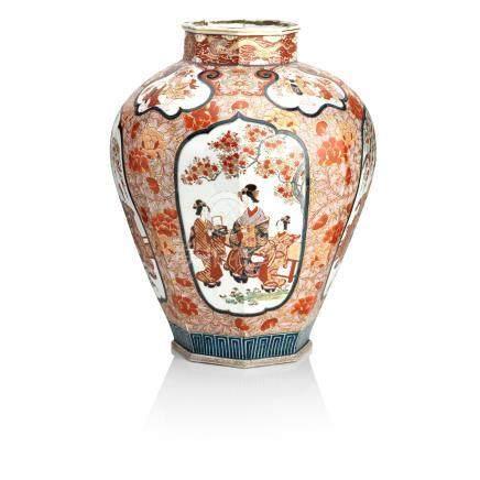 A large Imari temple jar Meiji era, 19th century