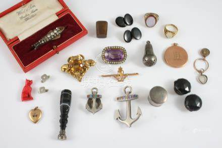 A QUANTITY OF JEWELLERY including a paste set fish brooch, in box, an amethyst and pearl set brooch,