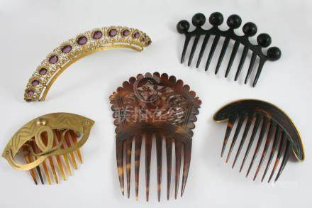 FIVE ASSORTED HAIR ORNAMENTS two tortoiseshell, one of gilt filigree openwork design, set with