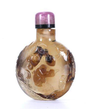 """A CHINESE AGATE """"MONKEY"""" SNUFF BOTTLE"""