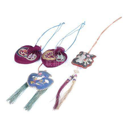 FOUR CHINESE EMBROIDER SILK PURSES