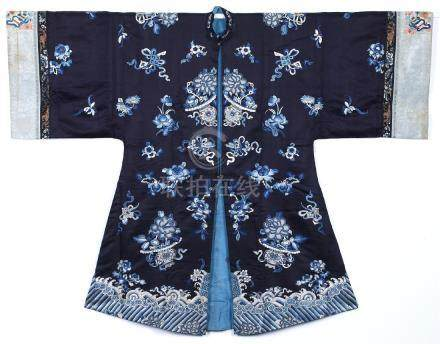 A CHINESE EMBROIDERED SILK WOMAN'S COAT