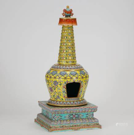 CHINESE FAMILLE ROSE PORCELAIN STUPA