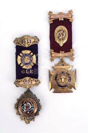 A 9ct gold R.A.O.B. 'Order of Merit and Honour of Knighthood' jewel awarded to Bro. Geo Styles G.P.