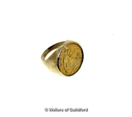 Full sovereign ring, 1907, mounted in 9ct yellow gold, gross weight 17.2 grams, ring size V