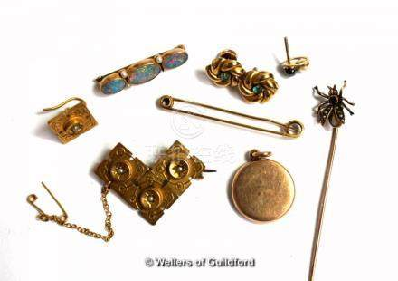 Yellow metal brooch and a single earring stamped 15ct, gross weight 4.7 grams, a yellow metal brooch
