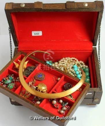 Small box of costume jewellery