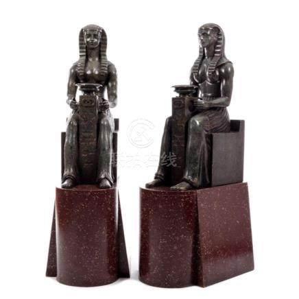 Zwei ägyptische Gottheiten